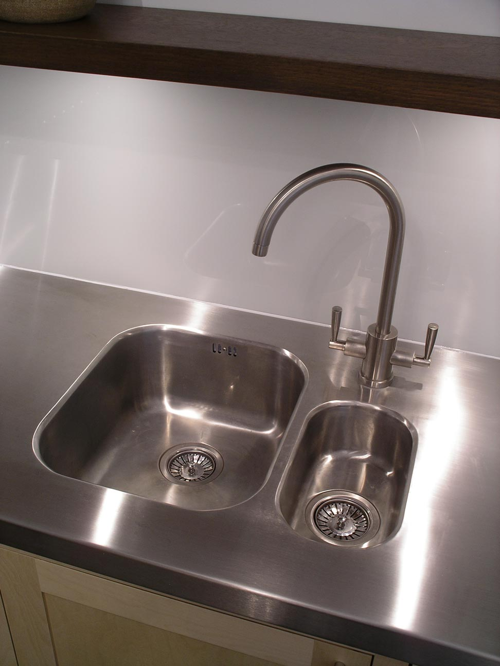 undermounted sinks is welded to the stainless steel worktop