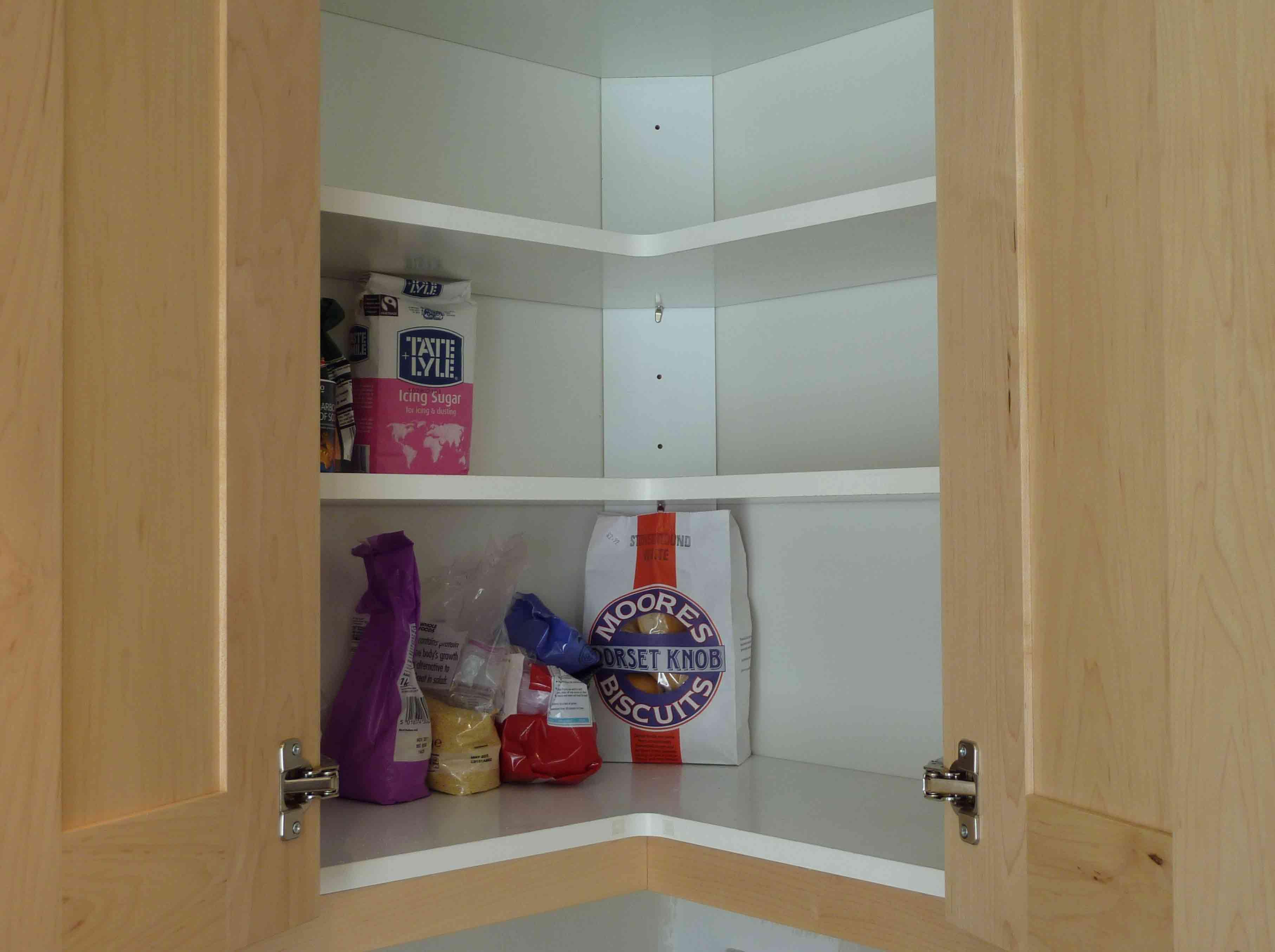 Maple Kitchen Corner Cabine