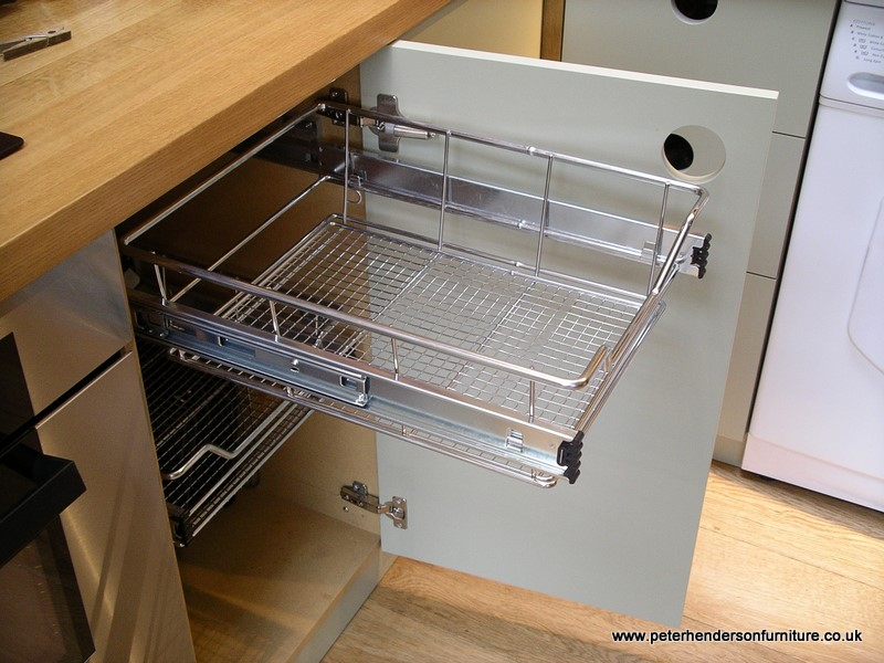 wire mesh kitchen pull-out storage basket
