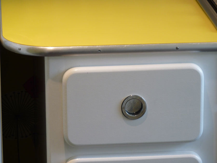 Chrome yellow formica kitchen worktop with aluminium edging